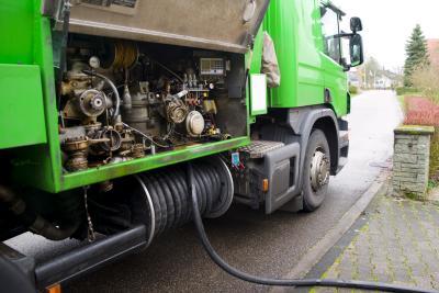 Öl-Lieferung für Ölheizung mit einem LKW